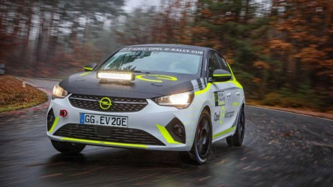 Начато тестирование гоночного электромобиля Opel Corsa-e Rally
