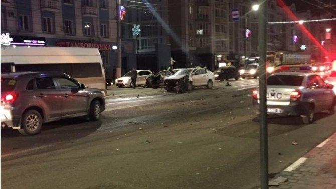 В ДТП в Туле пострадали три человека