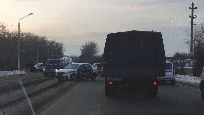 В ДТП с такси в Челябинске погибла молодая женщина
