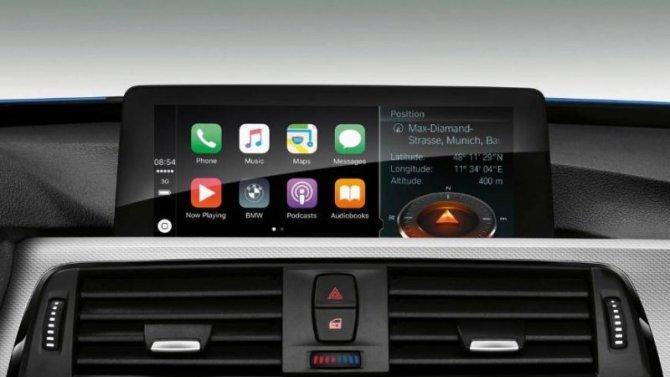 BMW отменяет платную подписку на Apple CarPlay