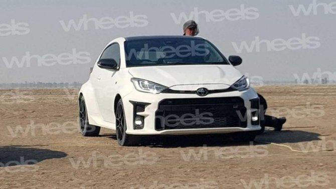 Появились изображения «заряженного» хэтчбека ToyotaGR Yaris