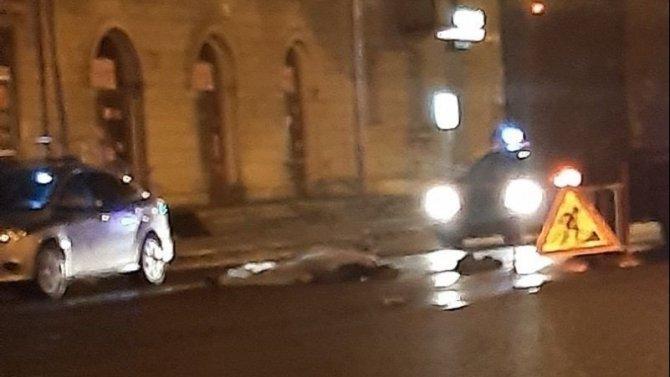 В Петербурге на Энгельса насмерть сбили пешехода