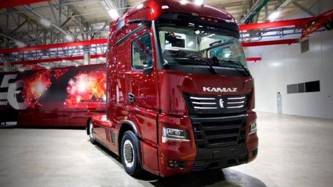 «КамАЗ» показал грузовик будущего