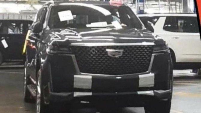 Винтернете появились первые фото нового Cadillac Escalade