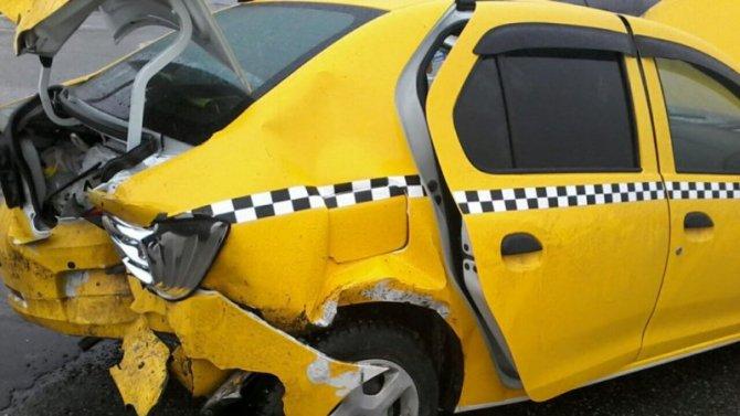 В России возросло число аварий с такси