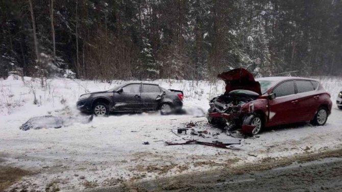 Мужчина и женщина погибли в ДТП около Воткинска