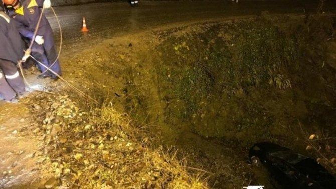 На Кубани при опрокидывании машины погиб пожилой водитель