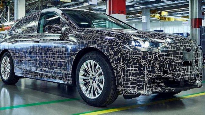BMW iNext обещает стать передовым электромобилем