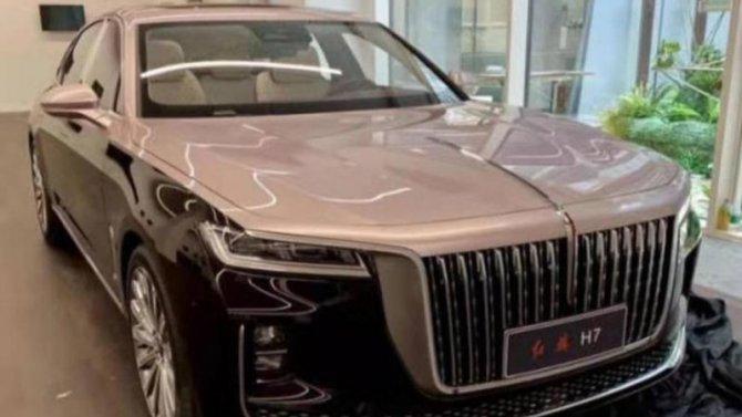 ВHongqi показали салон своего клона Rolls-Royce