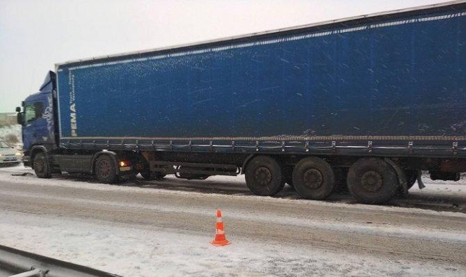 Мужчина погиб в ДТП с грузовиком в Вологде (2)