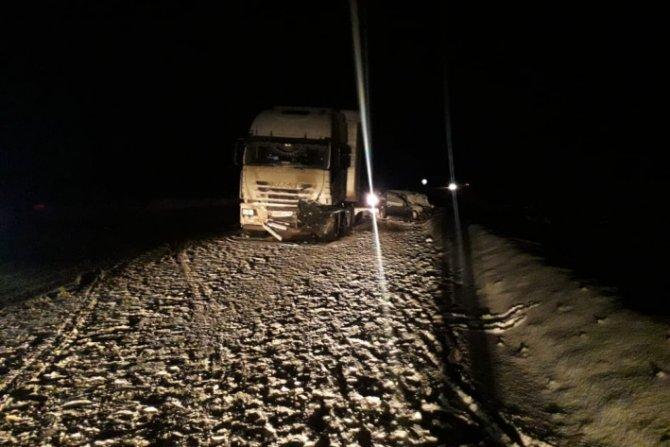 Два человека погибли в ДТП с грузовиком в Свердловской области (1)