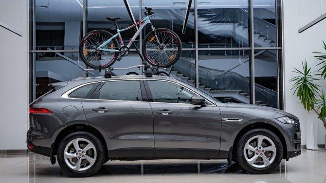 Jaguar F-PACE с преимуществом до 660 000 рублей в «АВИЛОН»