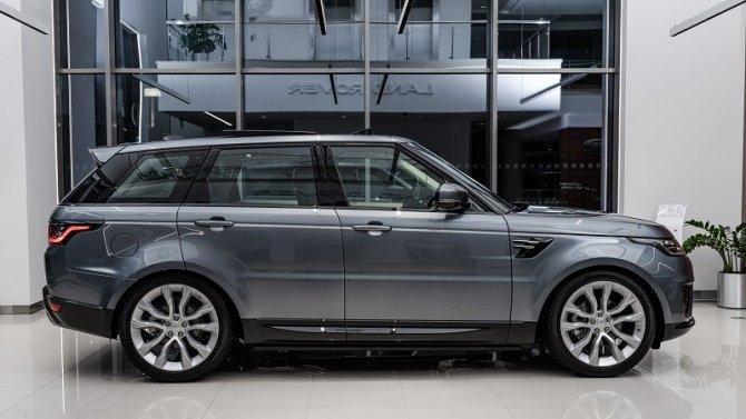 Range Rover sport с преимуществом до 700 000 рублей в «АВИЛОН»