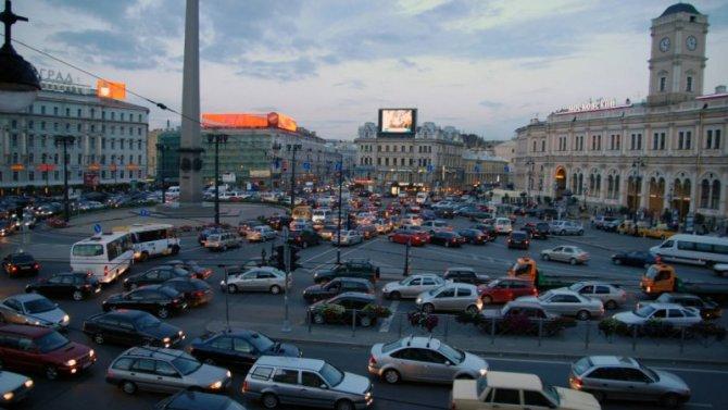 ВСанкт-Петербурге предложили разгрузить центр города отавтомобилей