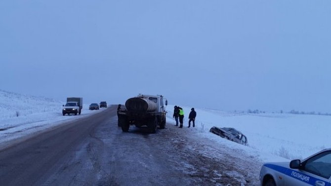 В Самарской области в ДТП с грузовиком погибла женщина