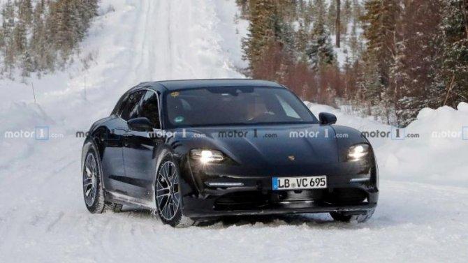 Надорогах тестируется Porsche Taycan Sport Turismo