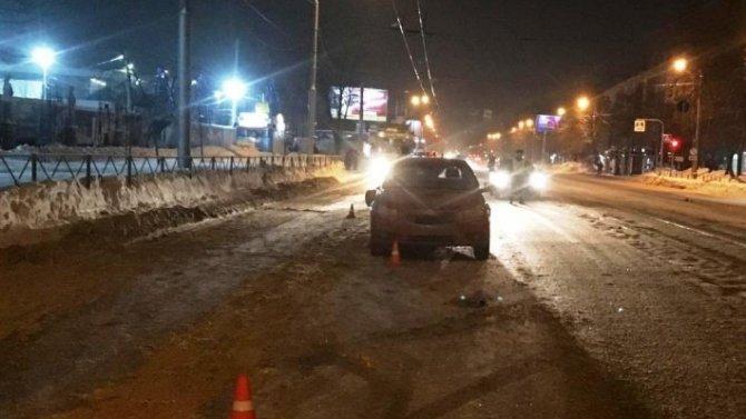 В Новосибирске пьяный водитель иномарки сбил дорожного рабочего