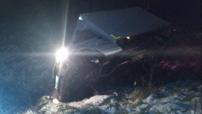 Водитель фургона погиб в ДТП в Тверской области