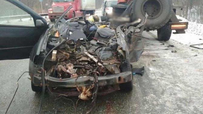 Под Уфой в ДТП с грузовиком погибли двое