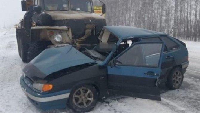 В Башкирии в результате ДТП с грузовиком погиб мужчина