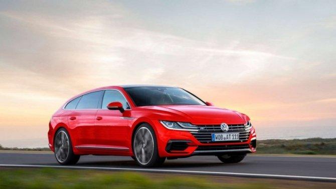 Винтернете появились фото универсала Volkswagen Arteon