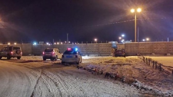 В Киришах водитель погиб, врезавшись в забор