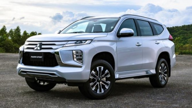 Российская версия Mitsubishi Pajero лишилась дизеля