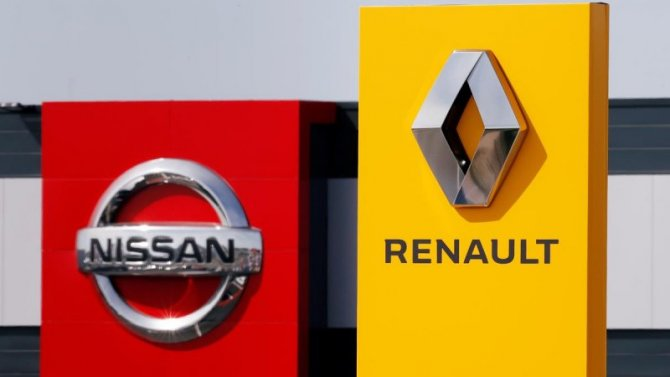 Nissan может выйти изальянса сRenault