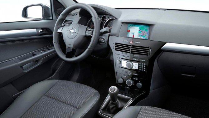 Opel Astra H салон