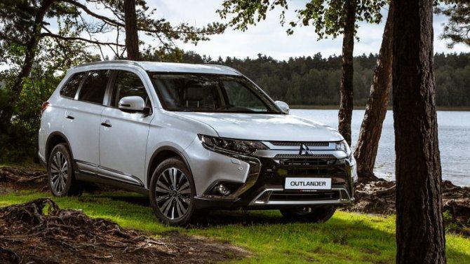 Две модели Mitsubishi оснастили сервисом «Яндекс.Авто»