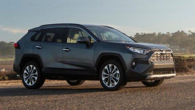 Toyota RAV4 пересдала «Лосиный тест»