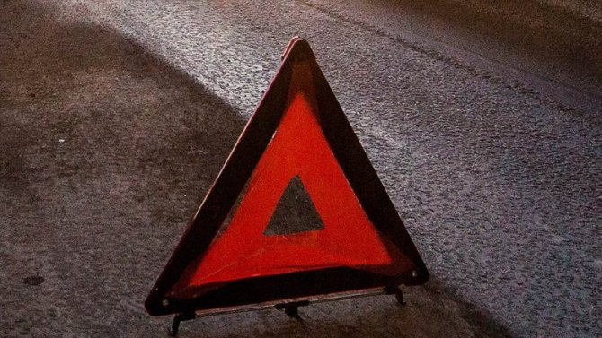 В Новой Москве машина врезалась в дерево – погиб человек