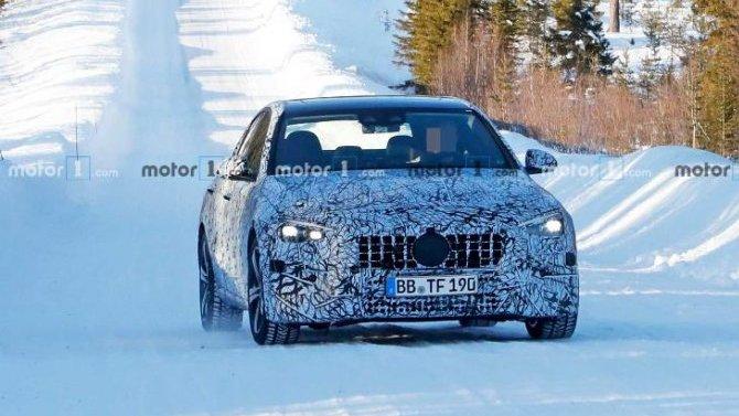 Началось тестирование нового седана Mercedes-AMG