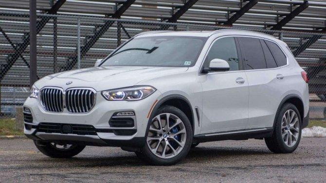 Стали известны российские цены гибридомобилей BMW