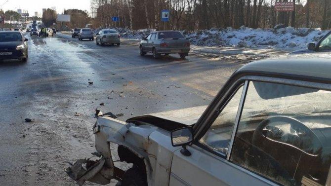 2-летний ребенок пострадал в ДТП в Сыктывкаре