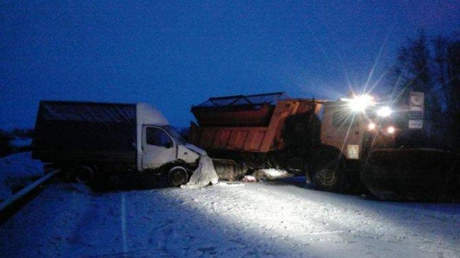 Водитель «Газели» и тракторист погибли в ДТП в Новосибирской области