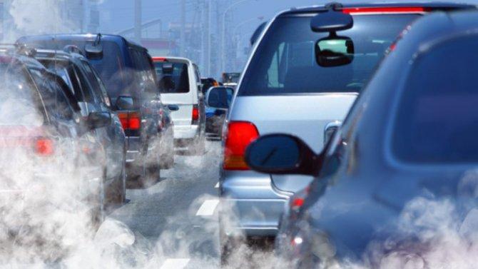Неэкологичным машинам могут повысить транспортный налог