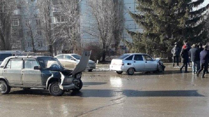 Два человека пострадали в ДТП в Балакове