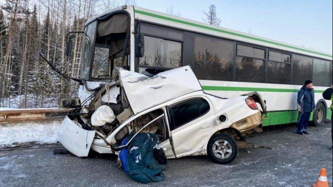 Женщина погибла в ДТП с автобусом в Красноярском крае