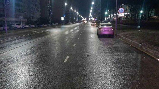 В Новороссийскеиномарка сбила девушку