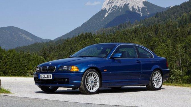 BMW отзывает старые седаны