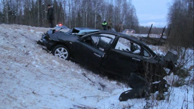 Два человека погибли в ДТП в Новгородской области
