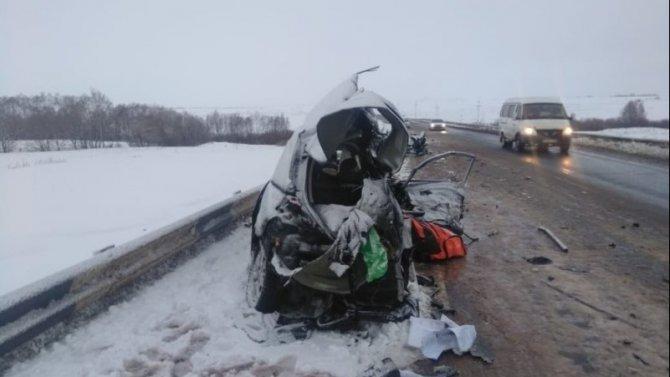 Два человека погибли в ДТП в Оренбургской области в результате столкновения