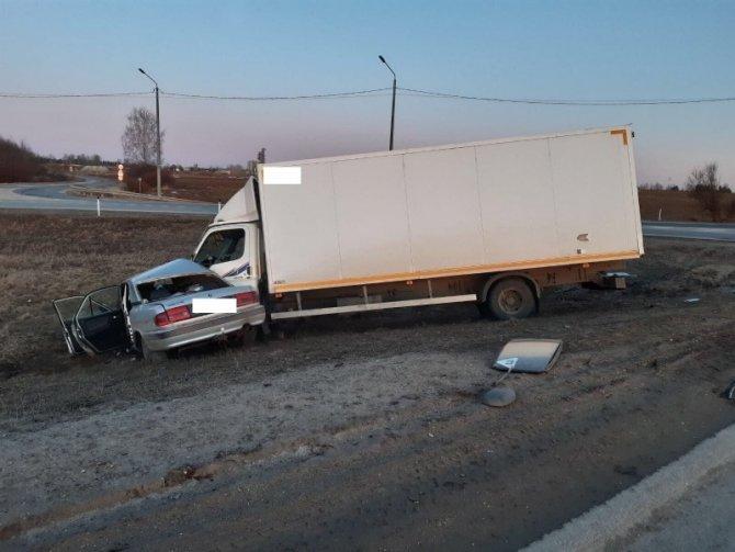 Пассажир «Волги» погиб в ДТП в Вологодском районе (2)