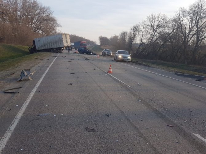 В тройном ДТП в Курской области погиб водитель (3)