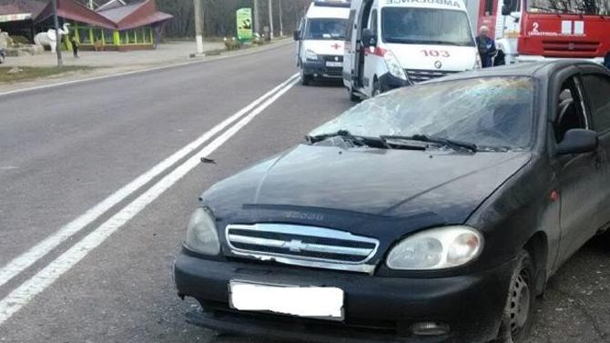 В Крыму погиб пожилой водитель, не справившись с управлением и врезавшись в столб