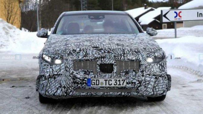 На тестах замечен новый Mercedes-AMG C53