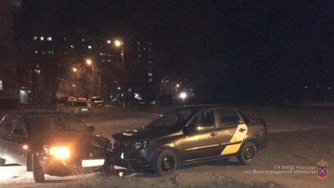 10-летняя девочка пострадала в ДТП в Волгограде