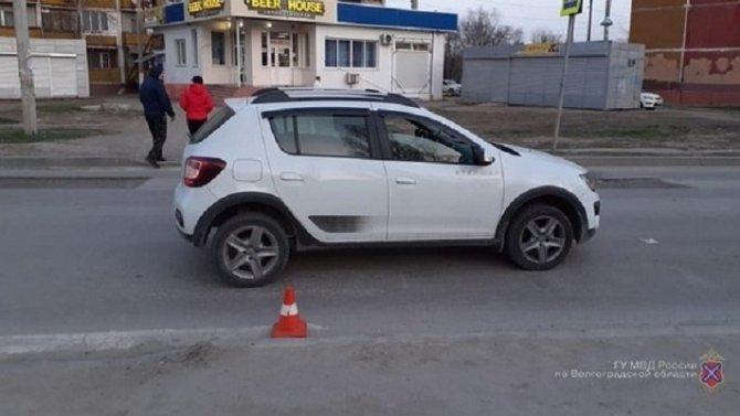 В Волгограде иномарка сбила женщину на переходе