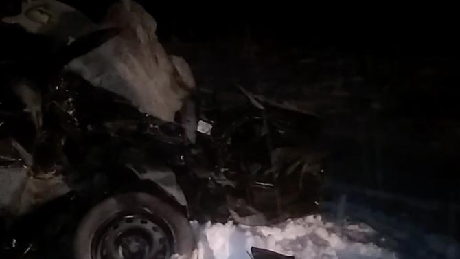 Во Владимире при столкновении легковушки с грузовиком погибло сразу 3 человека